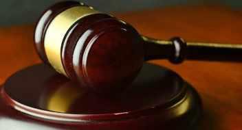 Justice hammer Bail Bonds